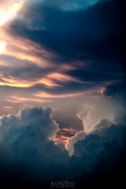 clouds_and_lightning_042